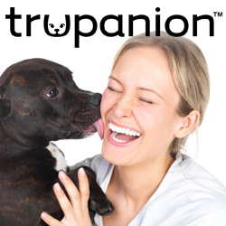 Trupanion_DogKiss